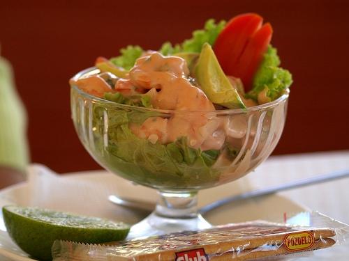 Coctel de camarones recetas salvadore as - Coctel de marisco con aguacate ...
