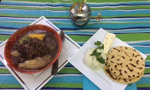 sopa de frijoles tradicional