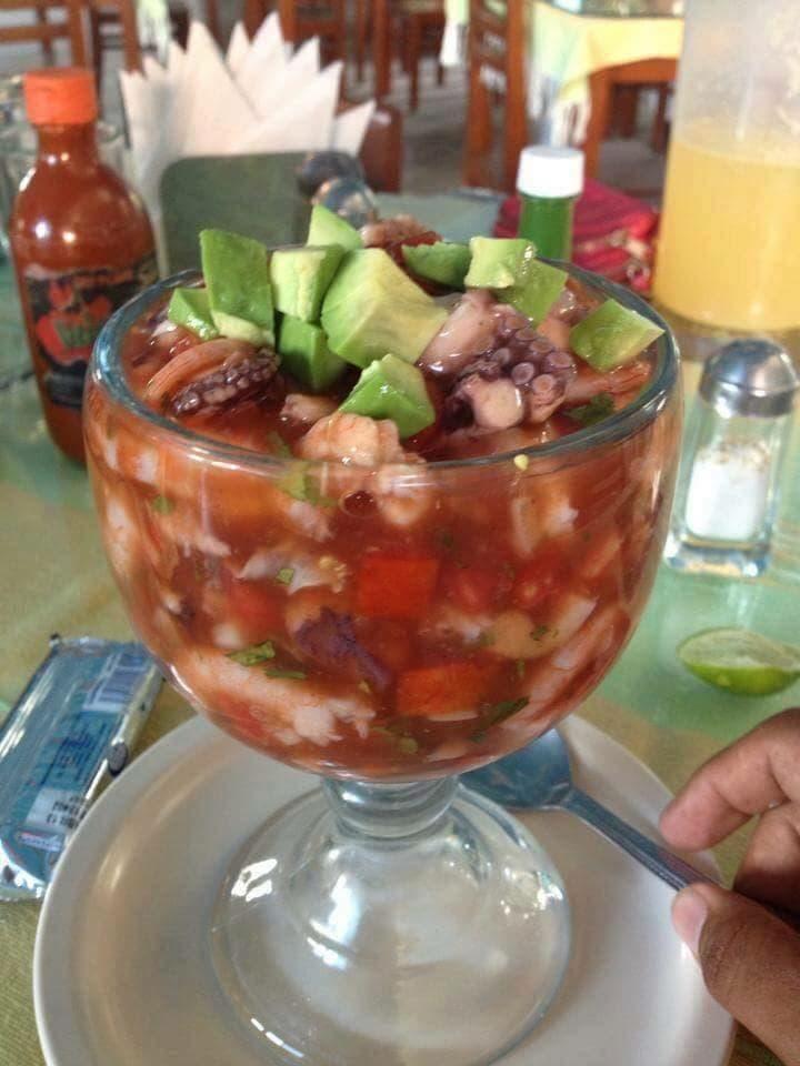 Coctel de mariscos mixto recetas salvadore as - Coctel de marisco ingredientes ...