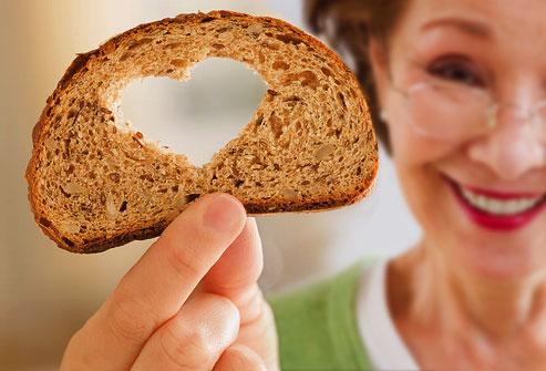 ¿El pan debe ser un alimento imprescindible en tu dieta?